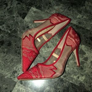 Jessica Simpson Red lace pumps